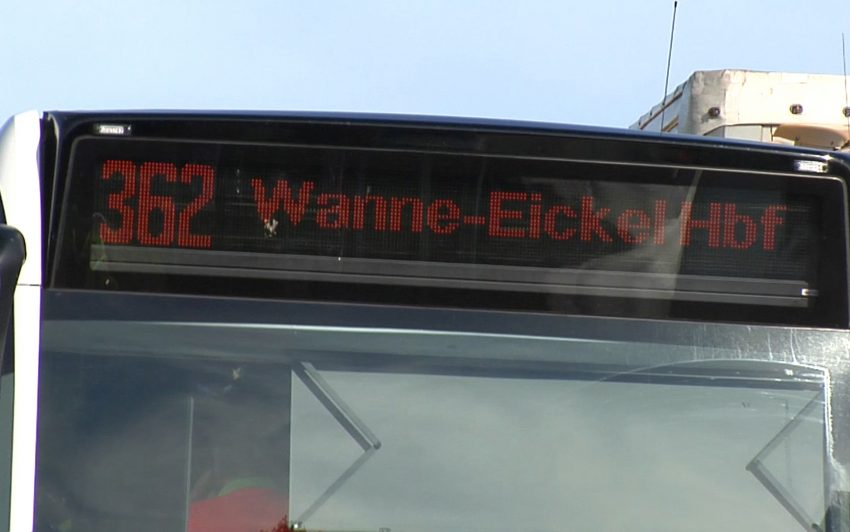 Linienbus musste Vollbremsung machen.