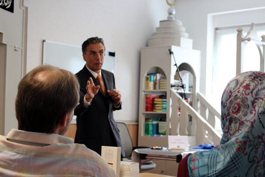 Professor Reiner Tillmanns.