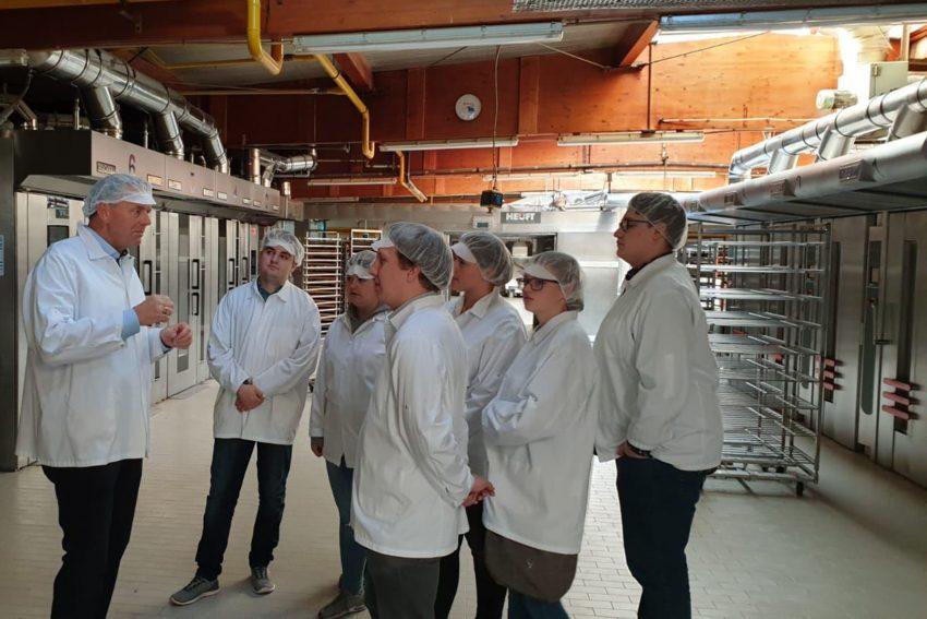 Die Junge Union besuchte wärend ihrer Klausurtagung den Landtagsabgeordneten Goeken in seinem Familienunternehmen