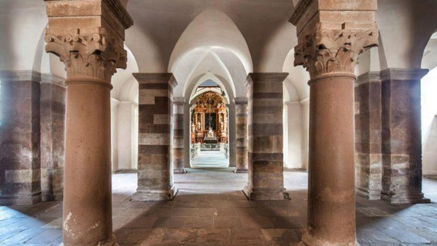 Chance Denkmal: Steht seit Jahrzehnten und bleibt noch Jahrzehnte, Kloster Corvey in Höxter.