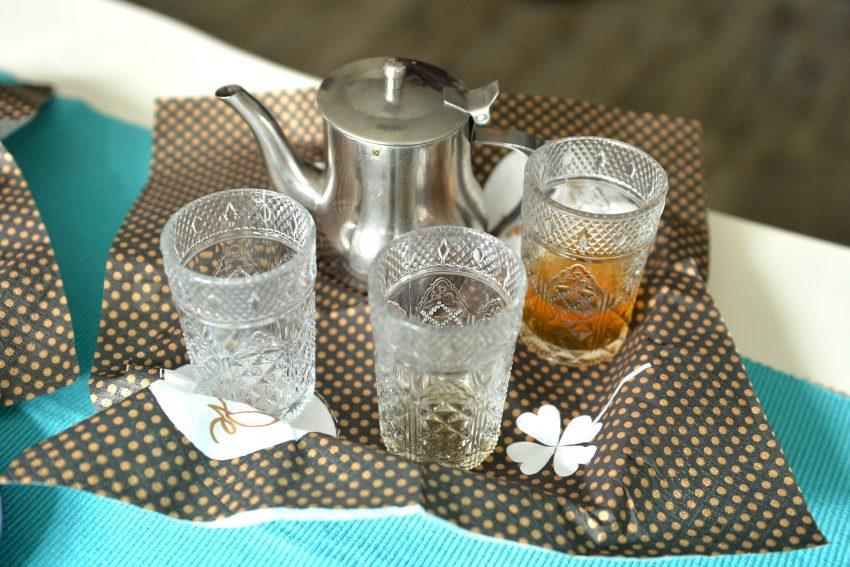 Tee gab es bei der Pflegefamilie aus Marokko.