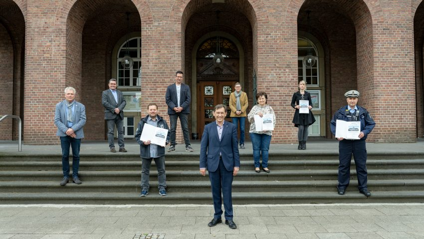 Oberbürgermeister Dr. Frank Dudda (vorne) dankte den Herner Arbeitnehmern bei einer Ersatzveranstaltung für den Arbeitnehmerempfang.