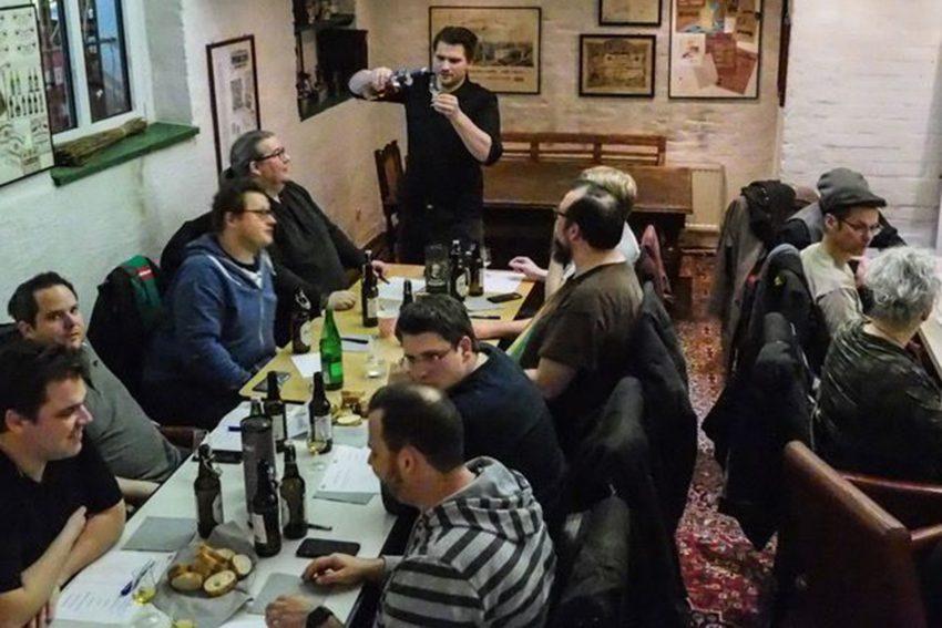 Whiskey-Tasting des CVJM in der Weinhandlung Meimberg.