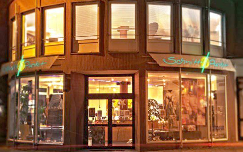 Schnittpunkt - Der Kultur-Friseur in Herne. Der futuristische Pavillon ist ein Mix aus Salon und Eventlocation.