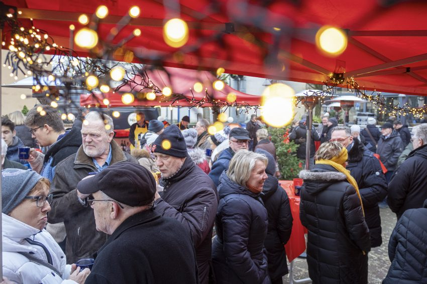 Adventsmarkt des Lions-Club Wanne-Eickel am Meistertrunk in Herne (NW), am Sonntag (01.12.2019).