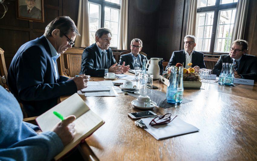 v.l. Horst martens (Pressebüro der Stadt Herne), Dr. Frank Dudda, Markus Hennes, Oliver Welling, Olaf Borck.