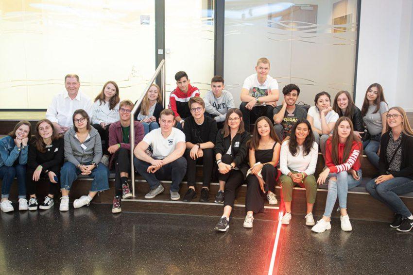 Jugendliche aus 14 Länder bei G Data in Bochum.
