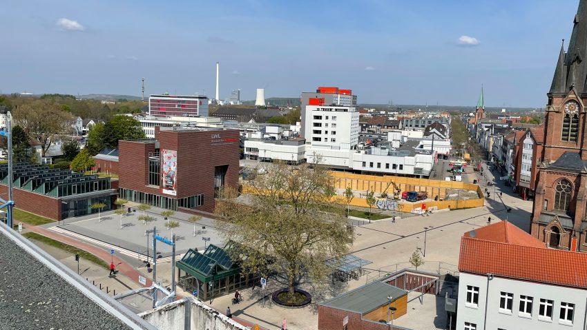 Die Herner Innenstadt mit der Bahnhofstraße aus Sicht des WHS-Wohnhauses am Europaplatz.