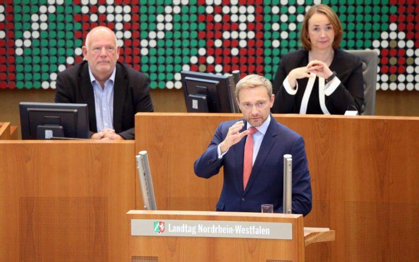 v.l. Thomas Nückel, Christian Lindner, Angela Freimuth (FDP, Vizepräsidentin des Landtags NRW)