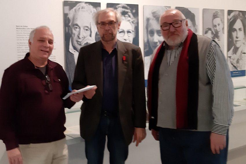 v.l. Norbert Kozicki, Norbert Reichling (Leiter des Jüdischen Museums) und Jan Zwyer.