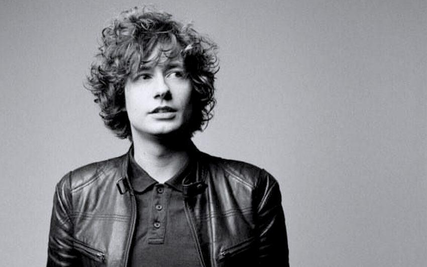 Thomas Allan präsentiert britischen Indie-Rock im Stile von den Libertines, Babyshambles oder Arctic Monkeys.