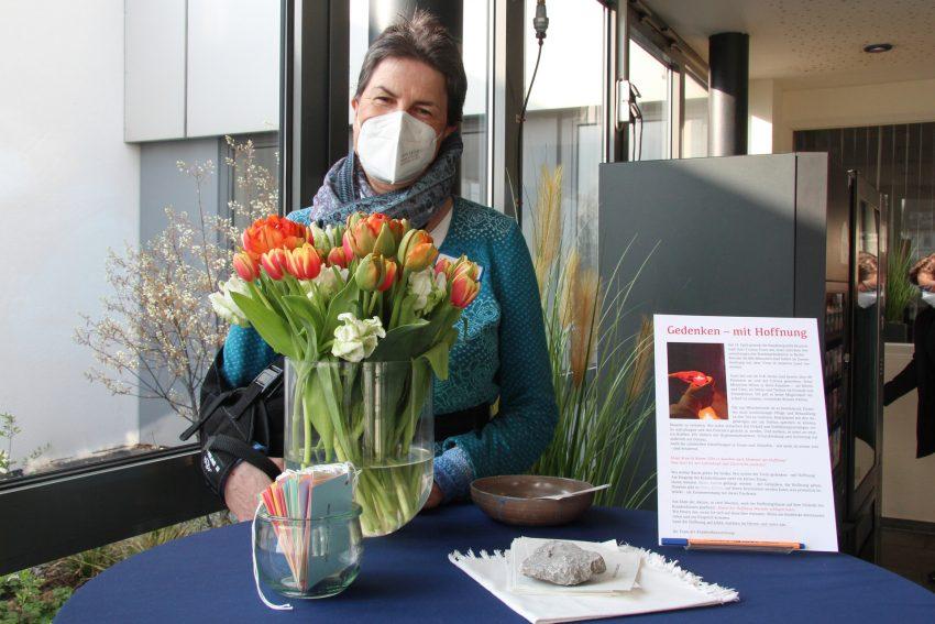 Katharina Henke, Krankenhausseelsorgerin am EvK Herne-Mitte und Initiatorin der Aktion 'Baum der Hoffnung', die zum Gedenktag, 18. April 2021, der rund 80.000 Corona-Toten in Deutschland startet.