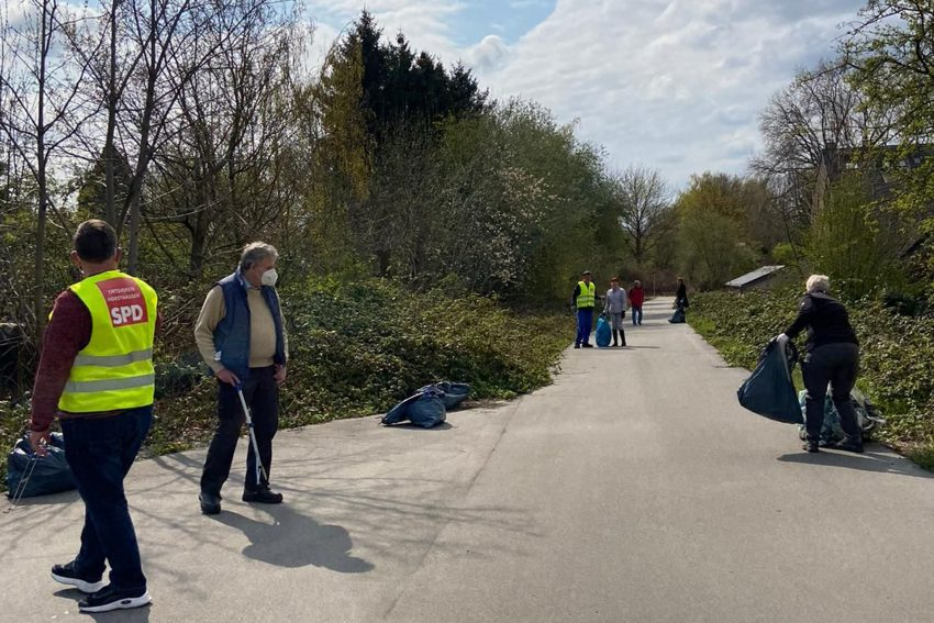 Müllsammelaktion des SPD OV Herne Horsthausen in Elpeshof.
