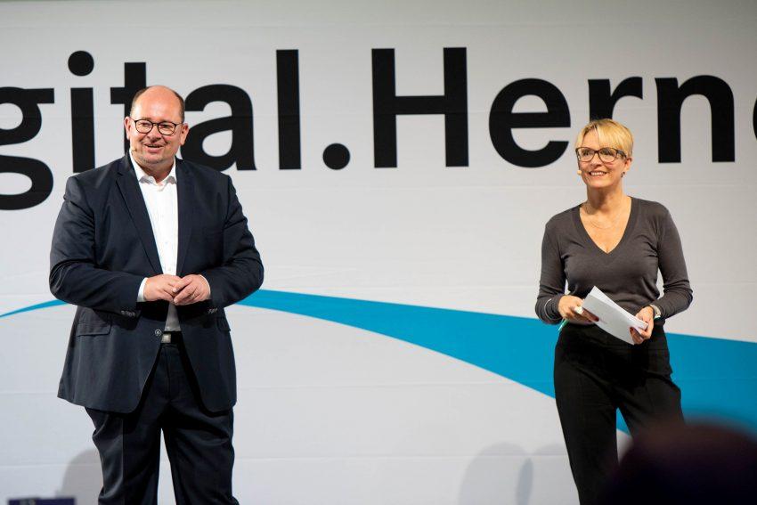 """Herne.Digital.Business das Event """"Quartiere & Immobilien in der digitalen Stadt"""" als Hybridveranstaltung im Kulturzentrum am 1. Oktober 2020."""