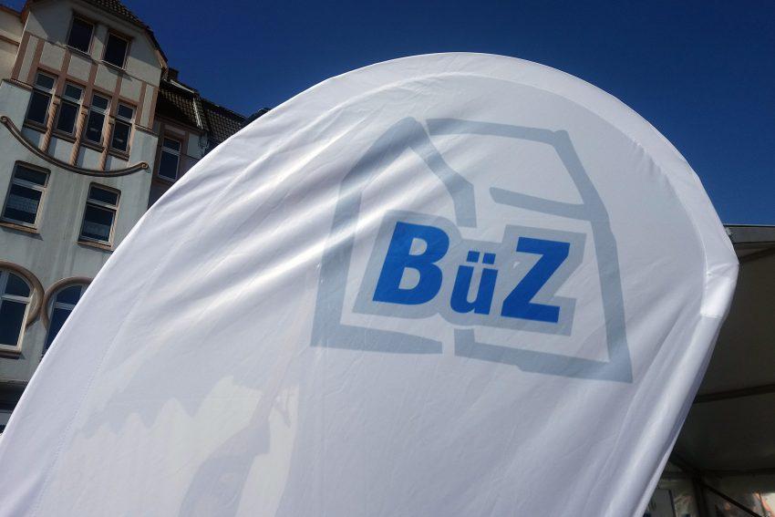 BÜZ Logo.