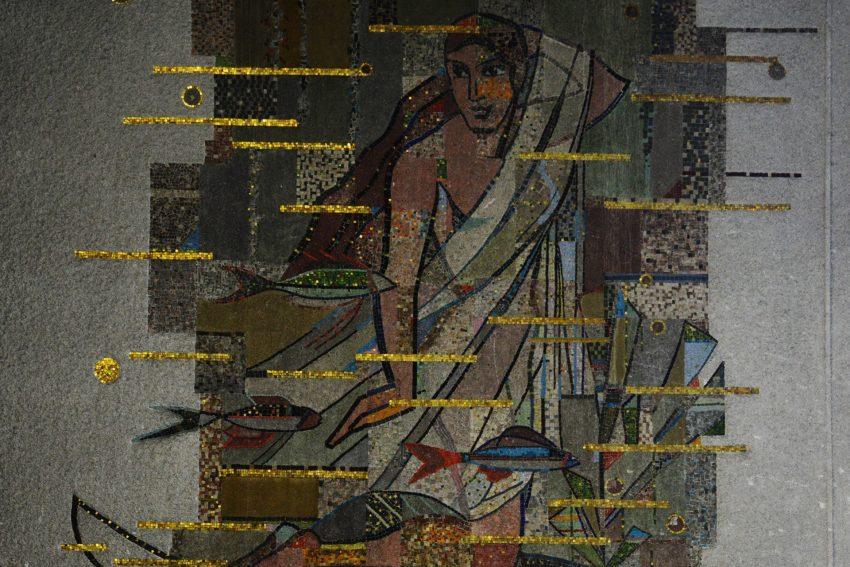 Putzmosaik mit einem Thema aus der griechischen Mythologie des Kunstmalers Edmund Schuitz.
