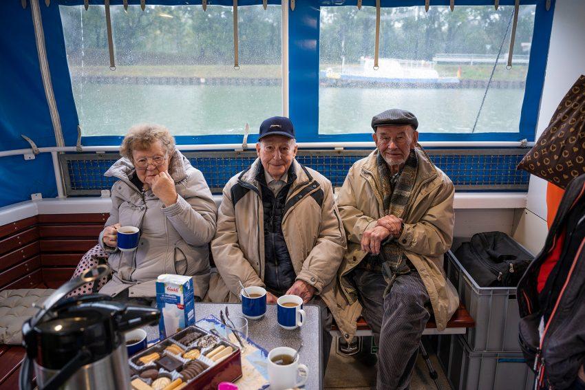 Gäste der ASB-Tagespflege Kaiserstraße bei ihrem ersten gemeinsamen Ausflug.