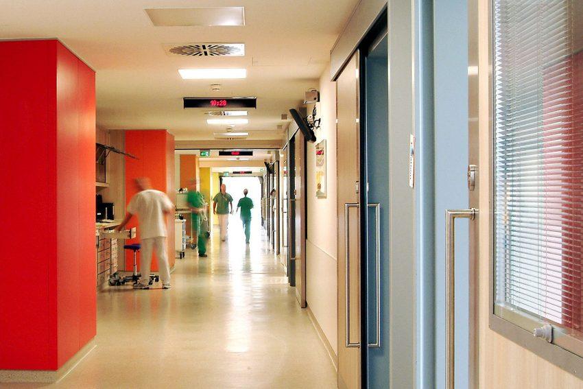Intensivstation im Universitätsklinikum Knappschaftskrankenhaus Bochum.