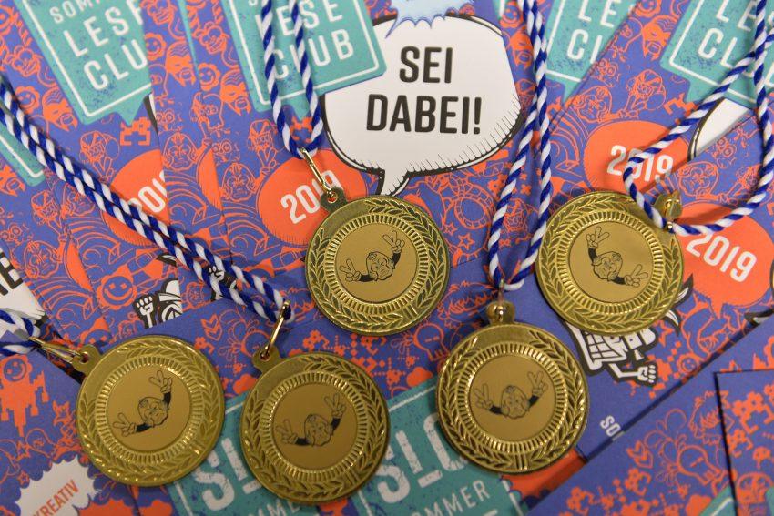 Beim SommerLeseClub 2019 werden Medaillen vergeben.