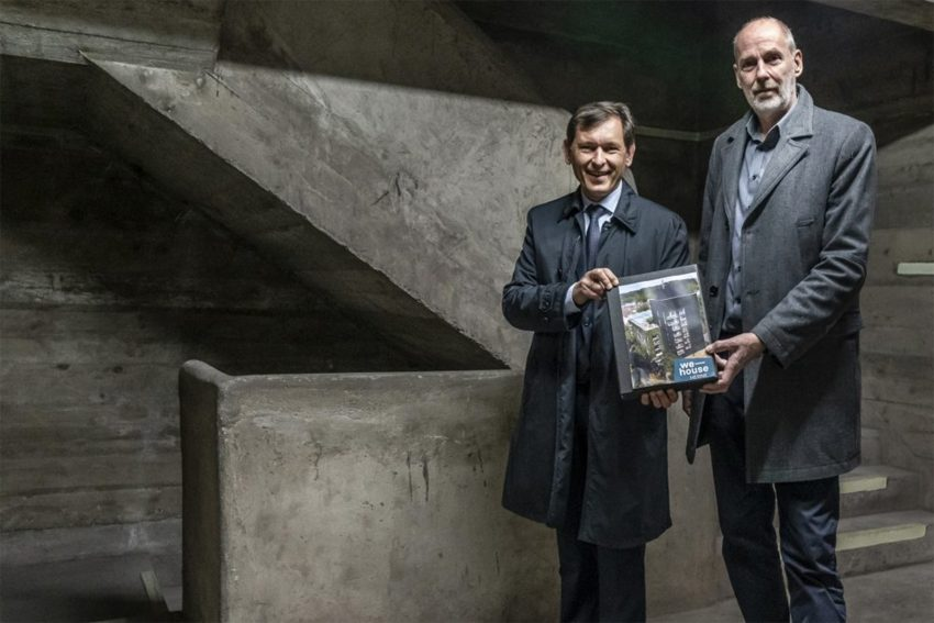 Dr. Frank Dudda und Dipl.-Ing. Gerd Hansen von Archy Nova im Treppenhaus des Sodinger Bunkers.
