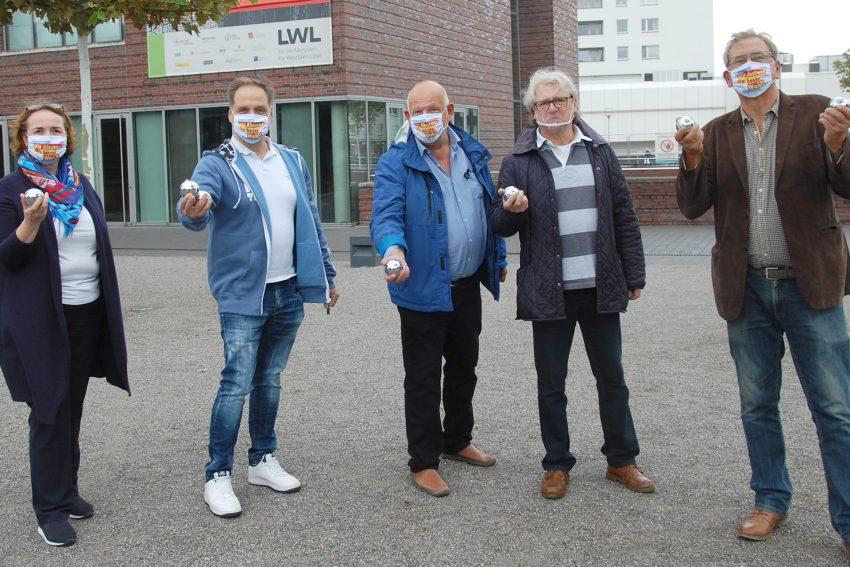 FDP-Politiker boulen für bunteren Europalplatz.