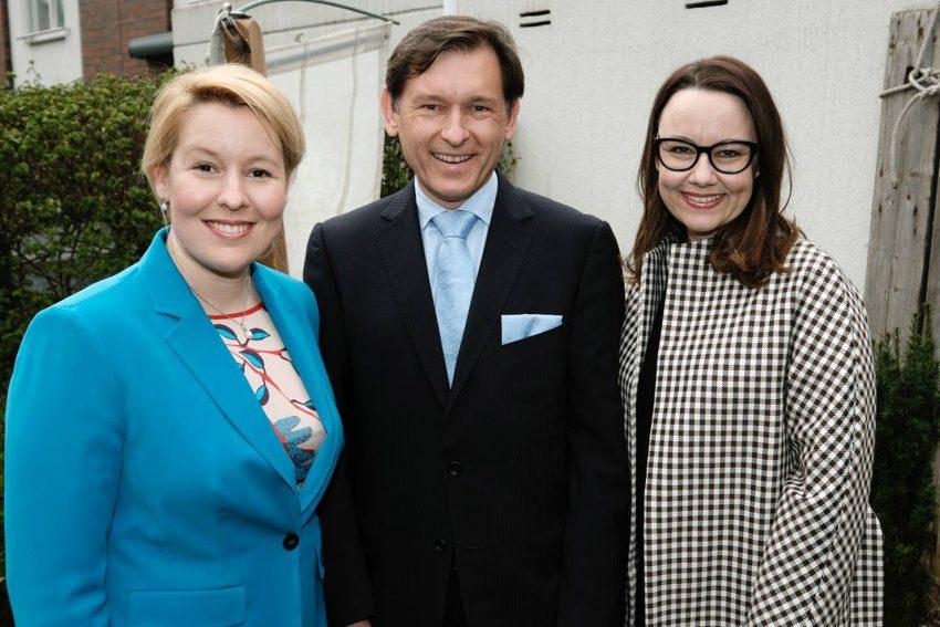 Familienministerin Franziska Giffey, OB Frank Dudda und Michelle Müntefering.