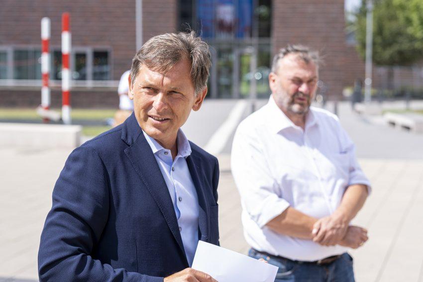 Oberbürgermeister Dr. Frank Dudda bei der Pressekonferenz zur Umgestaltung des Europaplatzes in Herne (NW), am Mittwoch (29.07.2020).