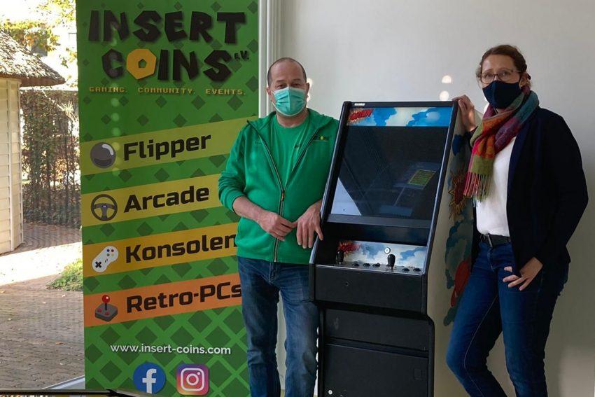 'Insert Coins' stellt dem Deutschen Kinderschmerzzentrum Arcade-Automaten (Videospielautomat) zur Verfügung.