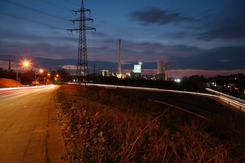 Samstagabend (1.5.2021) in Herne, wenige Minuten vor Beginn der Ausgangssperre.