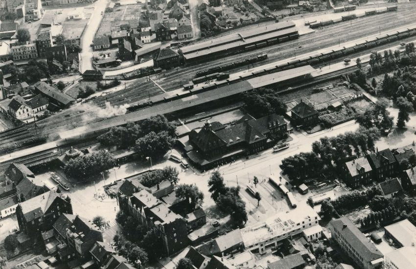 Luftbildaufnahme des Herner Bahnhofs im Jahr 1955.