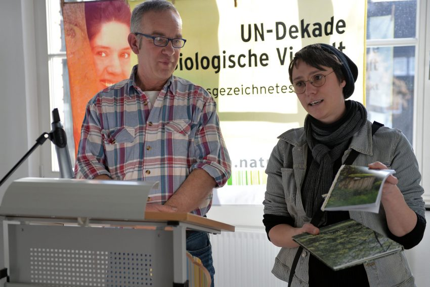 Der Ökogarten der Herner Tierschutzjugend e.V. erhält Auszeichnung als offizielles Projekt der UN-Dekade Biologische Vielfalt - überreicht am 15. Februar 2020 von Oberbürgermeister Dr. Frank Dudda.