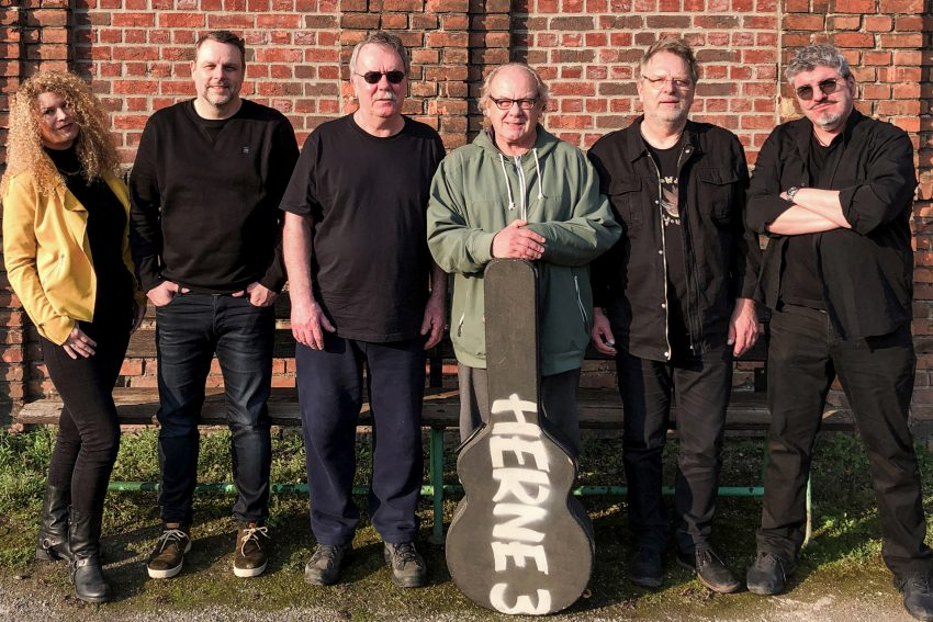 v.l. Grazia Bradi, Kolja Maletzki, Gerd Linke, Rainer August Koslowski, Wolfgang Berke, Olaf Scherfdie - die Rockband HERNE 3.