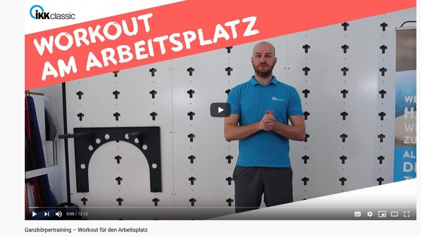 Screenshot aus dem Youtube-Video der IKK Classic zum Thema Workout am Arbeitsplatz.